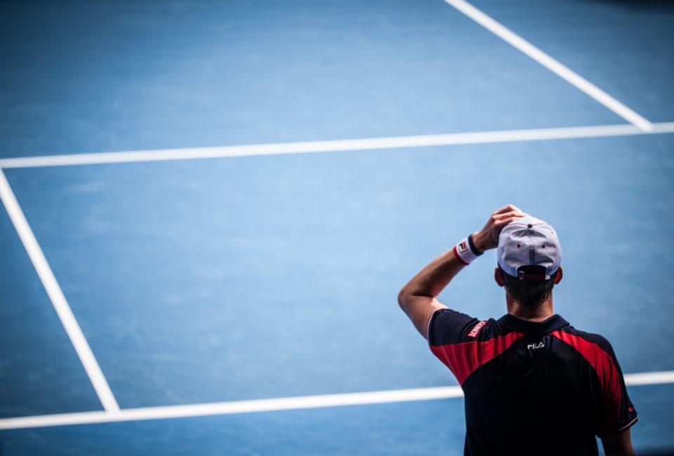 Jak radzić sobie z urazami w tenisie?